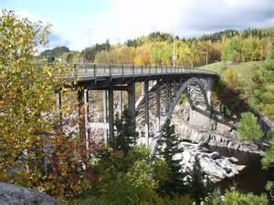 Pont d'aluminium - Saguenay-Lac-Saint-Jean, Saguenay (Saguenay) (Jonquière)