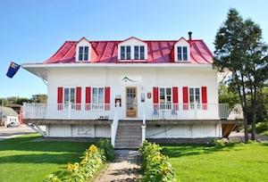 Auberge jeunesse de Saguenay - La Maison Price - Saguenay-Lac-Saint-Jean, Saguenay (Saguenay) (Chicoutimi)